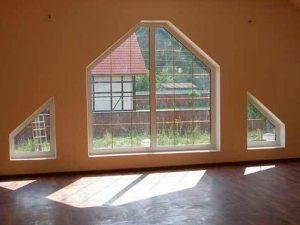 okna-nestandartnoj-formy-stanovyatsya-normoj-300x225