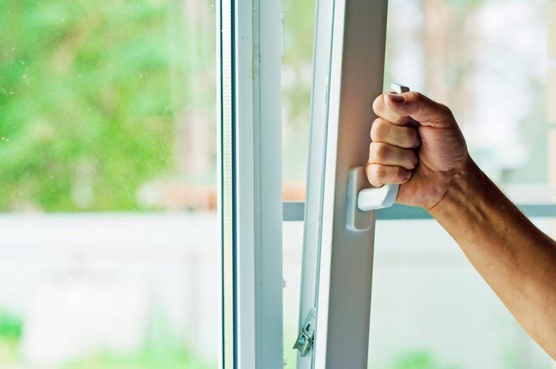 Окна пластиковые или алюминиевые...Эксплуатация и долговечность