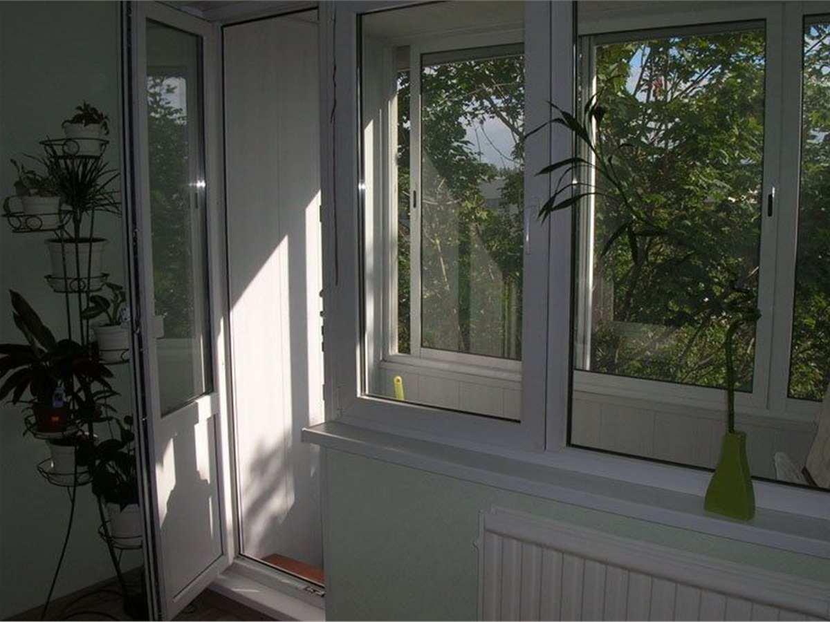 Балконный блок с поворотно-откидным окном