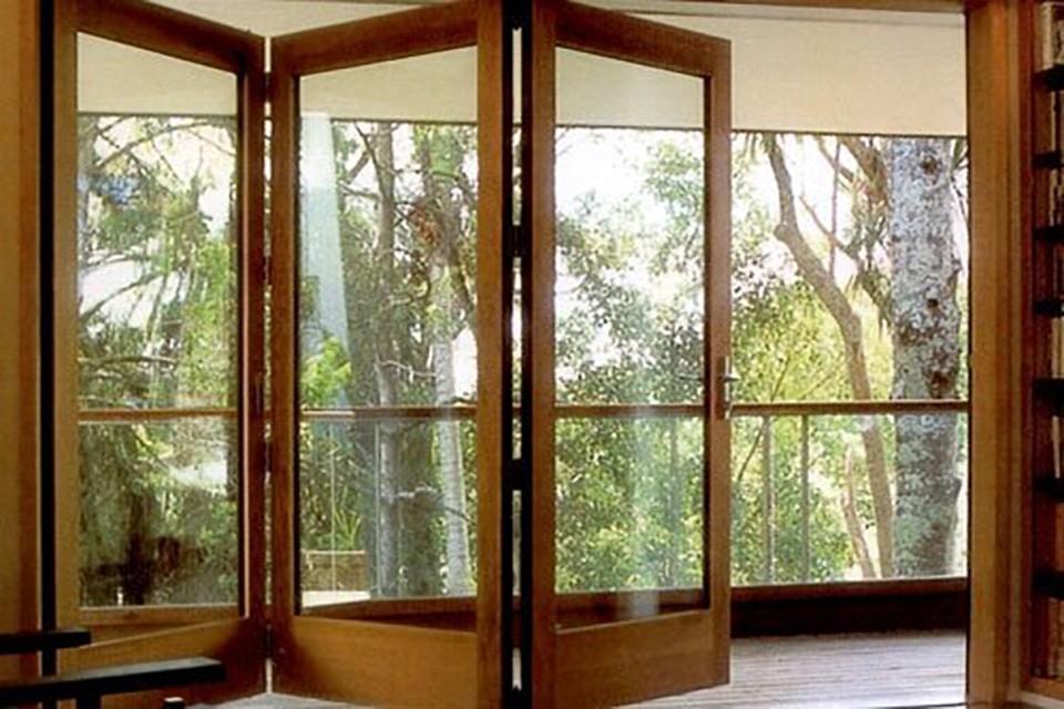 Раздвижные двери гармошкой на балкон..