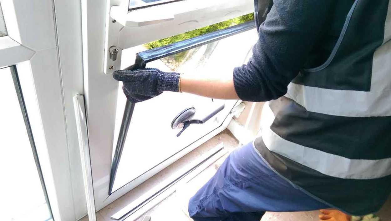 Ремонт двери стеклопакета 9