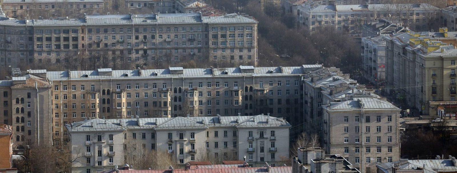 Остекление кирпичного дома Хрущевки