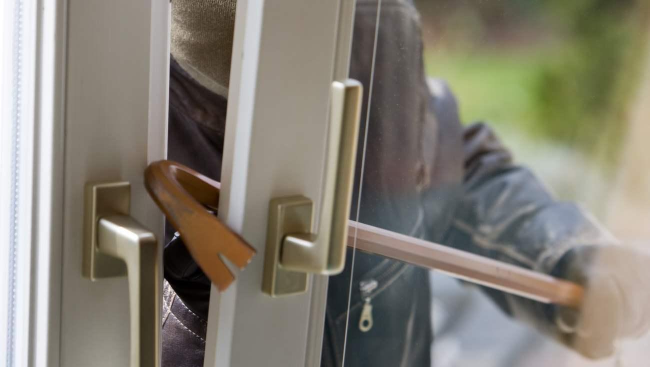Противовзломные окна с безопасным стеклопакетом