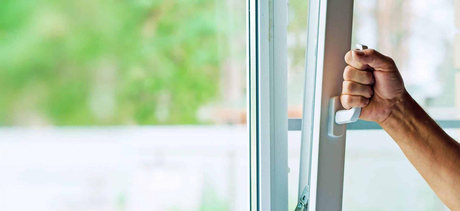 Бракованные ПВХ-окна: причины и способы решения проблем